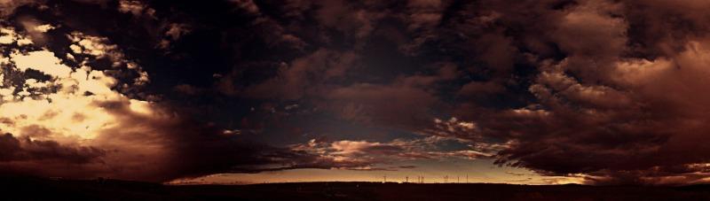 Windpark unterm Wolkenmeer