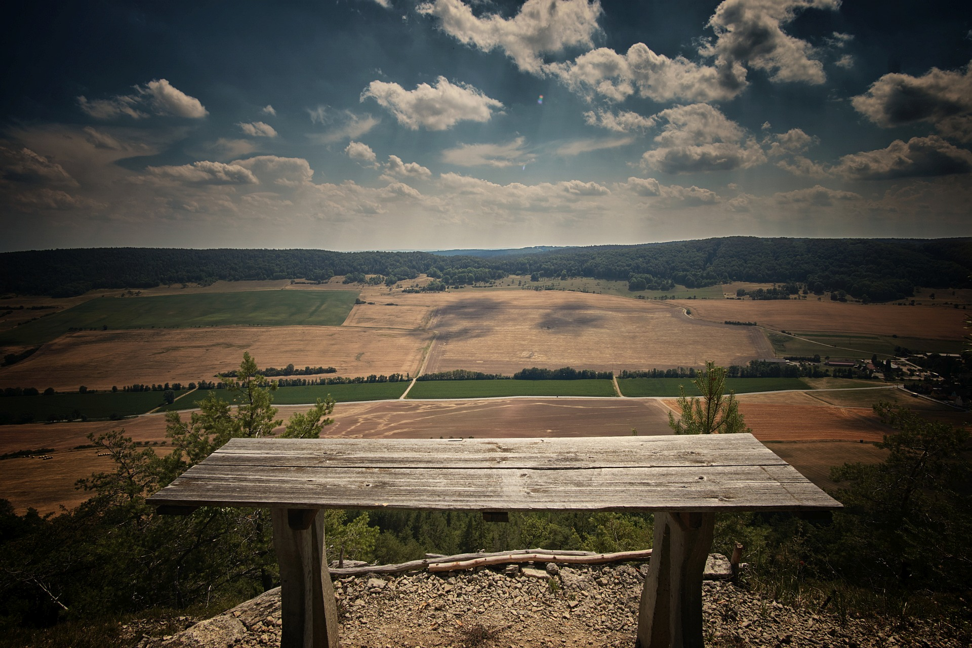 Reinstädter Grund - table across the valley