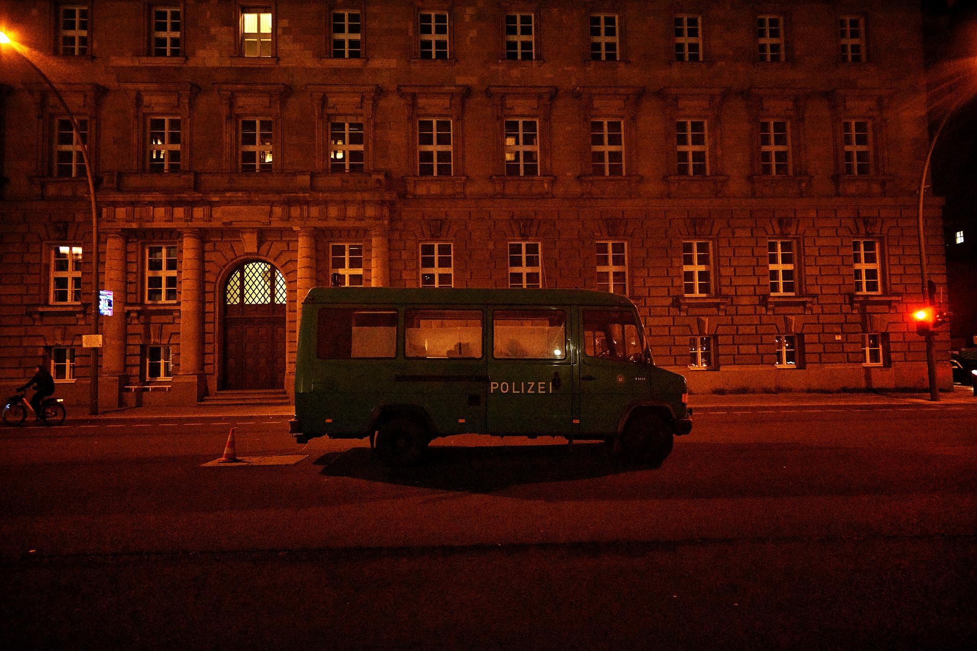 Berlin in Black - Polizeifahrzeug